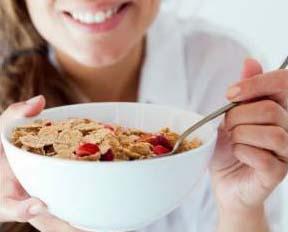 वजन कम करने के लिए नाश्ते में क्या खाएं, Weight loss breakfast tips in hindi