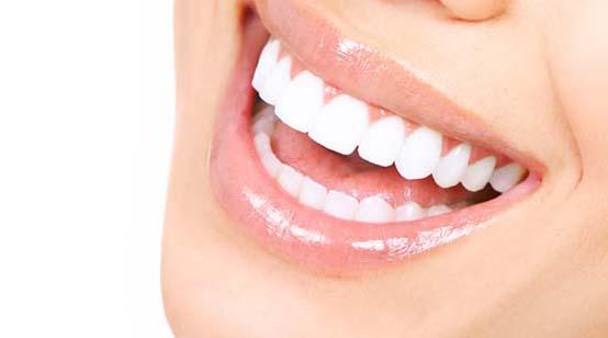पीले दांत सफेद कैसे करे घरेलू उपाय, Gharelu nuskhe for teeth whitening in hindi